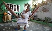 Mạng sống của bệnh nhân suy thận Venezuela chập chờn theo nguồn điện