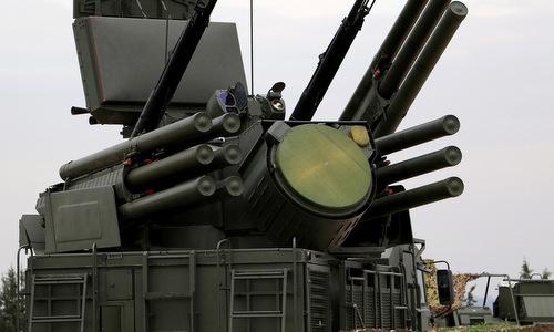 Nga bắn hạ nhiều rocket, UAV tấn công căn cứ ở Syria