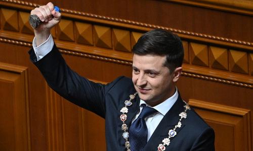 Tổng thống đắc cửZelensky trong lễtuyên thệ nhậm chức hôm nay. Ảnh: AFP.