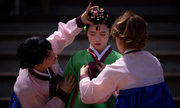 Thanh niên Hàn Quốc mặc đồ truyền thống dự lễ trưởng thành