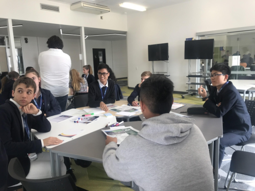 Học sinh lớp 10, lộ trình SACE International, Trường THPT H.A.S, tham dự Hội nghị thượng đỉnh toàn cầu.