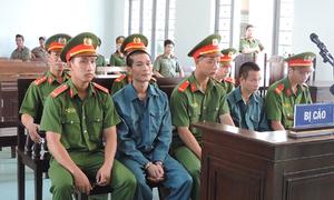 Hai người lĩnh án vì đốt 6 ôtô của cảnh sát cứu hỏa ở Bình Thuận