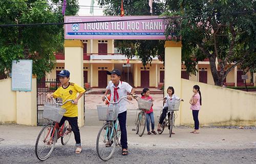 Trường học nơi xảy ra vụ việc. Ảnh: Lam Sơn.