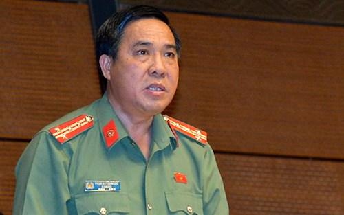 Đại tá Phạm Huyền Ngọc, Giám đốc Công an tỉnh Ninh Thuận tại Quốc hội. Ảnh: Trung tâm báo chí Quốc hội