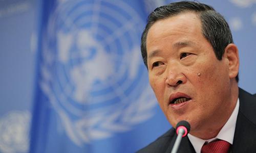 Đại sứ Triều Tiên tại Liên Hợp Quốc, Kim Song phát biểu tại họp báo ngày 21/5 ở New York, Mỹ. Ảnh: Reuters.