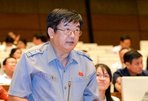Đại biểu Quốc hội Hầu Văn Lý phát biểu tại Quốc hội. Ảnh: Trung tâm báo chí Quốc hội