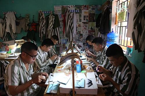 Phạm nhân lao động tại trại giam Ngọc Lý, Bắc Giang. Ảnh: Phạm Dự.