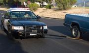Thanh gai giúp cảnh sát làm thủng lốp xe bỏ trốn
