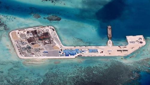 Đá Tư Nghĩa, một trong 7 đá bị Trung Quốc bồi đắp phi pháp thành đảo nhân tạo, ở quần đảo Trường Sa của Việt Nam. Ảnh: CSIS.