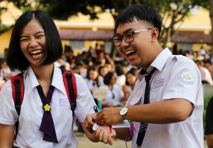 Buổi chia tay tuổi học trò ở trường Nguyễn Thị Minh Khai