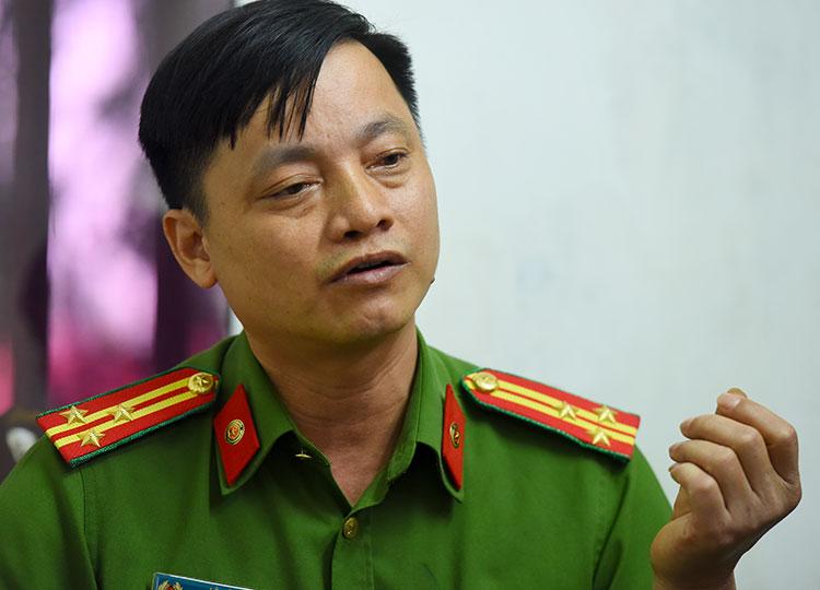 Thượng tá Lê Sỹ Hà, Giám đốc Trung tâm huấn luyện Đông vật nghiệp vụ thuộc-Bộ Tư lệnh Cảnh sát cơ động. Ảnh: Giang Huy