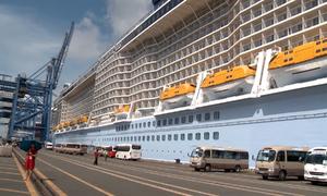 Tàu hiện đại bậc nhất thế giới đưa hơn 5.700 du khách đến Việt Nam