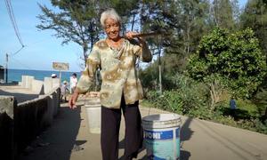 Hàng trăm người dân ven biển Quảng Ngãi thiếu nước sinh hoạt