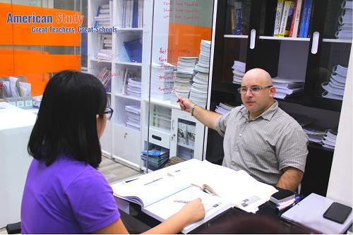 Đội ngũ giáo viên của American Study được tuyển chọn và huấn luyện kỹ theo tiêu chuẩn của The Princeton Review Mỹ.