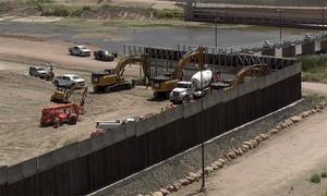 Bức tường biên giới do người ủng hộ Trump quyên tiền xây dựng