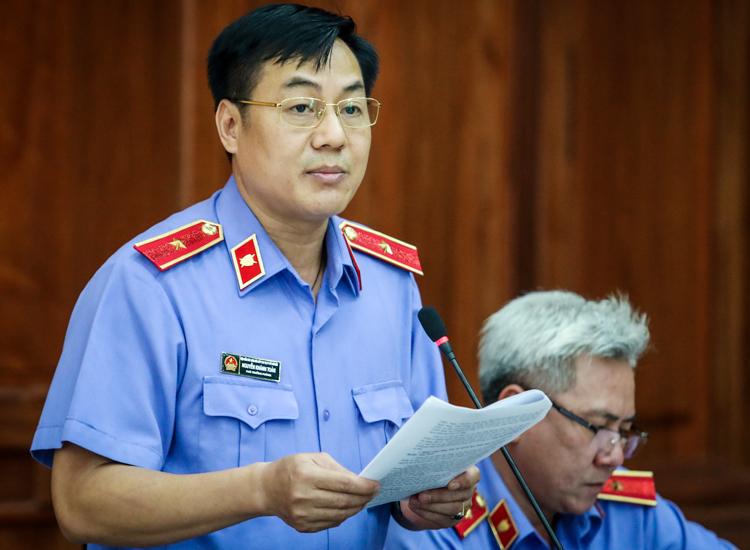 Đại diện VKS nêu quan điểm về vụ án. Ảnh: Thành Nguyễn.