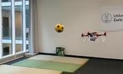 Drone tự động tránh vật thể đang lao tới