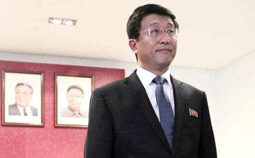 Đặc phái viên của Triều Tiên Kim Hyok-chol tại Việt Nam hồi tháng 2/2019. Ảnh: Reuters.