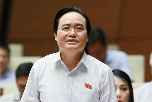 Bộ trưởng Phùng Xuân Nhạ tại Quốc hội. Ảnh: XH