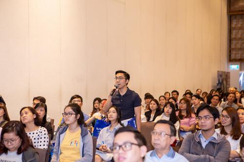 Tham gia chuỗi hội thảo về định hướng ngành học và nghề nghiệp tương lai