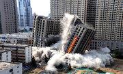 Trung Quốc giật sập chung cư trái phép bằng một tấn thuốc nổ