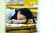 Tâm trạng trái ngược của thí sinh trong ngày đầu thi vào lớp 10