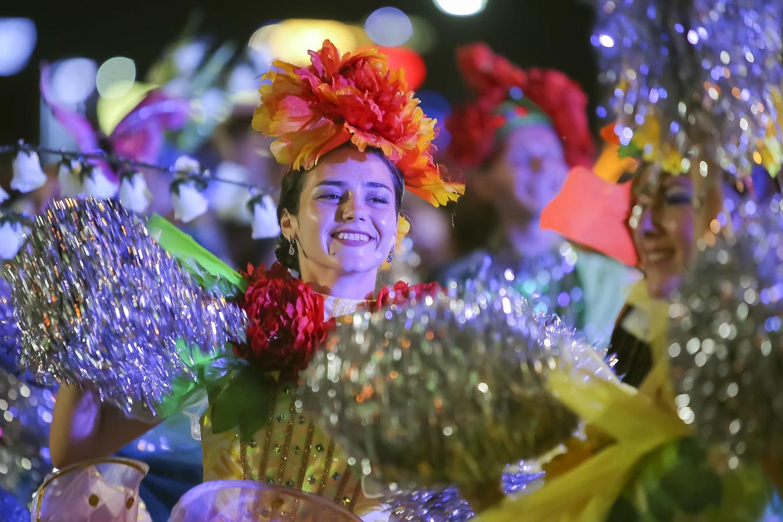 100 артистов зажигают уличный фестиваль в Дананге