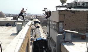 Chàng trai thách thức tử thần trên những tòa nhà chọc trời ở Iran