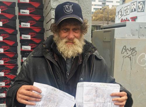 Carter (Mỹ) là người đàn ông vô gia cư. Ảnh: Ryan Chandler