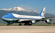 Quốc hội Mỹ muốn ngăn Trump thay màu sơn chuyên cơ Không lực Một