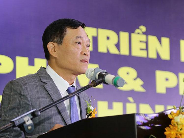 Thứ trưởng Trần Văn Tùng phát biểu khai mạc Triển lãm. Ảnh: AT.
