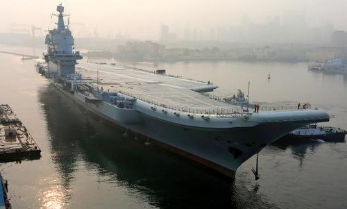 Type-001A trước chuyến chạy thử trên biển hồi tháng 4. Ảnh: Sina.