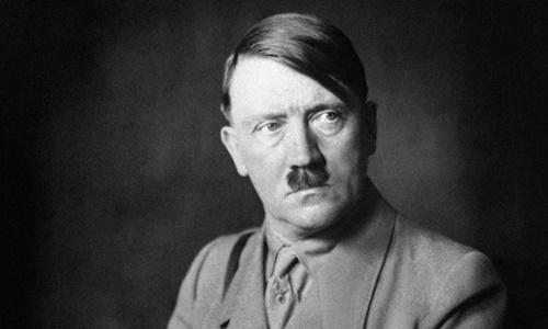 Hitler tại Đức năm 1938. Ảnh: AFP.