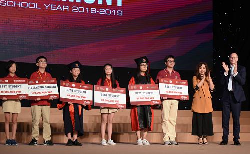 Hơn 400 học sinh VAS đạt giải thưởng cấp thành phố, quốc gia, quốc tế.