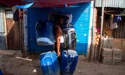 Người đàn ông Ấn Độ bị đánh chết vì tranh giành nước giữa hạn hán