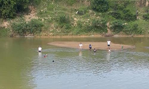 Khúc sông nơi xảy ra vụ đuối nước. Ảnh: Đ.H
