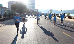 Phạm Huệ và Lê Quang Hoà chia sẻ bí quyết về đầu 21km và 42km