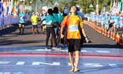 Hai đôi chân trần chinh phục VnExpress Marathon 2019