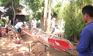 Nhộn nhịp đóng thuyền đua lễ hội Kỳ yên ở An Giang