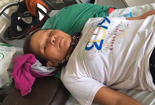 Sau hai ngày ở bệnh viện, bà Thoa xin vềđiều trị tại nhà. Ảnh: Đại Hiệp.
