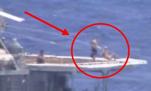 Đô đốc Nga nói về thủy thủ tắm nắng khi chiến hạm suýt đâm tàu Mỹ