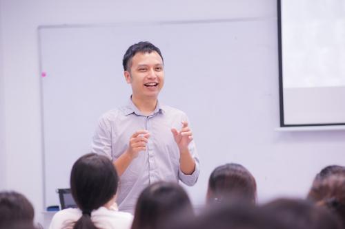 Thầy Tú Phạm (IELTS 8.5) trực tiếp giảng dạy tại IPP IELTS.