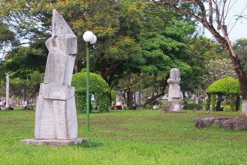 Bức tượng Người đàn ông cúi đầu đặt trong công viên 3/2 sẽ không cao quá 2m. Ảnh: Võ Thạnh