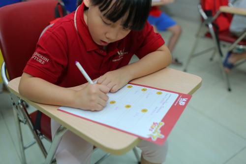 Nội dung cuộc thi đa dạng, giúp các thí sinh mở rộng hiểu biết và tăng thêm lượng kiến thức Anh ngữ cho mình.
