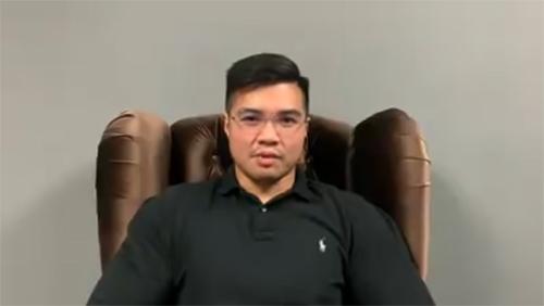 Người đàn ông có tên Haziq Aziz thừa nhận là người xuất hiện trong video sex trên và cáo buộc một Bộ trưởng Malaysia là người đàn ông quan hệ với mình.