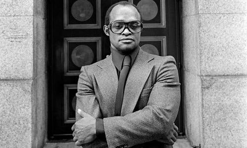 Nicky Barnes bên ngoài tòa án liên bang ở Hạ Manhattan, New York, năm 1977. Ảnh: NYTimes.