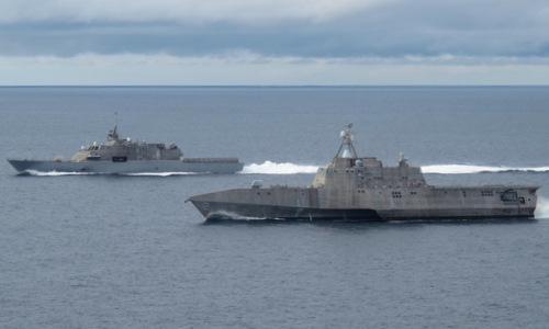 USS Freedom (trái) và USS Independence, hai tàu đầu tiên của dự án LCS. Ảnh: US Navy.