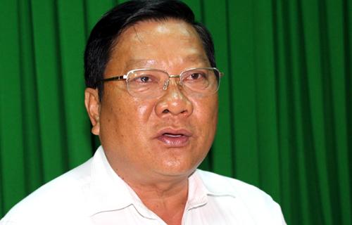 Phó chủ tịch UBND Sóc Trăng Lê Văn Hiểu khẳng định ông Sum đi Nhật được đại gia Trịnh Sướng đại thọ trong cuộc họp báo hôm qua. Ảnh: Hoàng Hạnh.