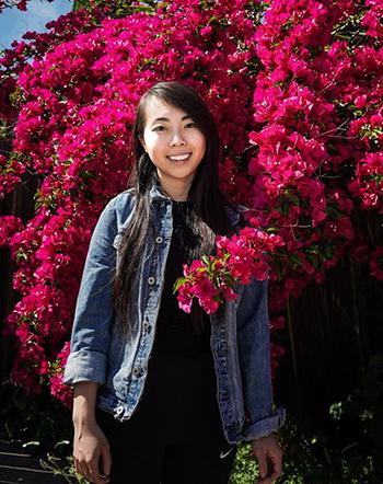 Vy Trần mặc mẫu áo khoác jeans chống đạn do cô thiết kế. Ảnh: NBC Bay Area