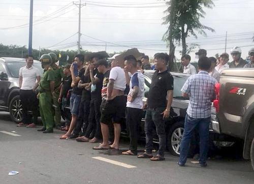 Nhóm người trong ôtô bị giang hồ Đồng Nai bao vây là công an